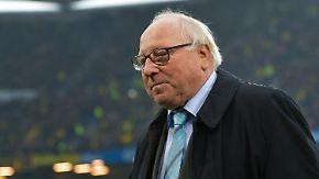 Operation am Rücken: Ärzte entfernen Uwe Seeler bösartigen Tumor