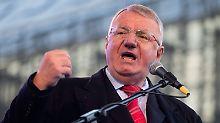 Strafe bereits verbüßt: UN-Gericht spricht Serben Seselj schuldig