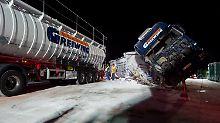 Unfall mit Tanklaster: 2000 Menschen saßen auf A1 fest