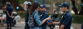 Hippe Demonstranten: Pepsi-Werbung geht nach hinten los
