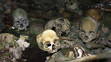 Fehlt bei einem ansonsten  vollständigen Skelett die Schädelbasis, ziehen Fachleute Kannibalismus in Betracht. Denn womöglich wurde sie einst entfernt, um an das Gehirn zu kommen.