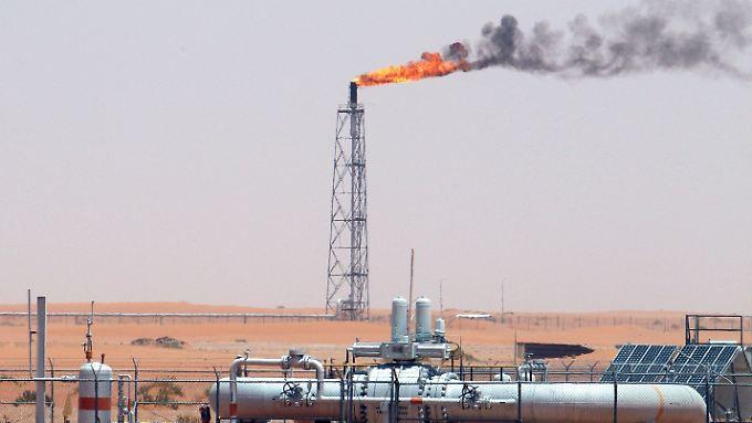 Anleger setzen auf Edelmetalle: Ölpreis steigt nach US-Luftschlag gegen Syrien an