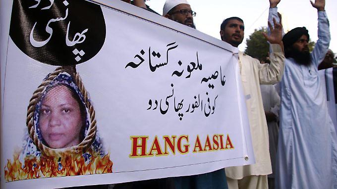 Radikale Islamisten fordern den Tod der Christin Asia Bibi.
