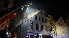 Hausbrand in Bremerhaven: Bewohner retten sich mit Sprung aus dem Fenster