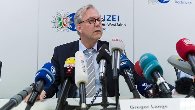 """Pressekonferenz der Ermittler: """"Gezielter Angriff auf die Mannschaft des BVB"""""""