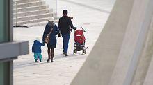 Weniger Leistungen für Ausländer: Kabinett berät über Kindergeld-Kürzungen