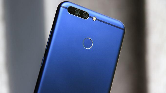 Edles kühles Blau: Das Honor 8 Pro sieht sehr schick aus.