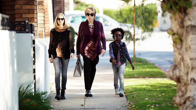 Die drei Damen vom Grill - oder so: Freundinnen trotz größter Unterschiede.