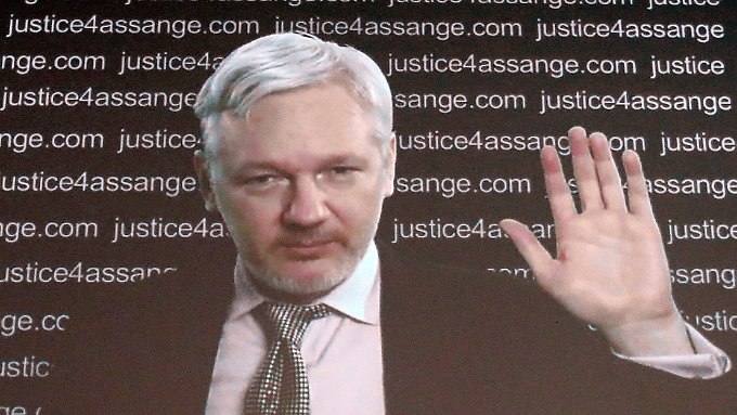 Wikileaks-Gründer Julian Assange hält ich seit Juni 2012 in der ecuadorianischen Botschaft in London versteckt.