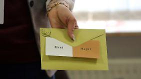 Antonia Rados in Istanbul: Was Türken beim Referendum zu einem Ja oder Nein bewegt