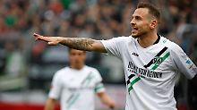 Hier geht's in Richtung Aufstieg? Marvin Bakalorz von Hannover 96 gibt die Richtung vor.