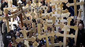 In diesem Jahr fallen die Osterfeste westlicher und orthodoxer Kirchen zusammen - beide gedachten in Jerusalem der Leiden Jesu.