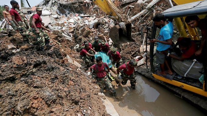 Halde in Sri Lanka eingestürzt: Müll-Lawine tötet mindestens 21 ...
