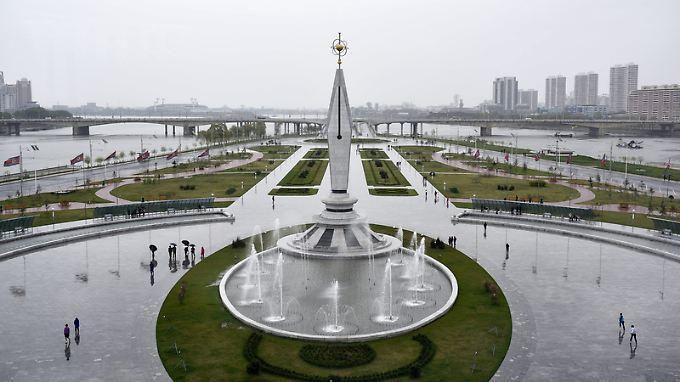 In Nordkoreas Hauptstadt Pjöngjang fallen die monumentalen Bauwerke ins Auge.
