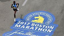 Eine E-Mail von Adidas hat viele Läufer des diesjährigen Boston-Marathons empört.