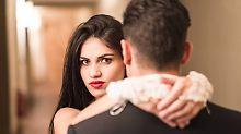 Neue Studie zur Partnerwahl: Was unattraktive Männer anziehend macht