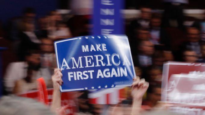 """Welche Risiken verbergen sich hinter Trumps """"Amerika zuerst""""-Politik?"""