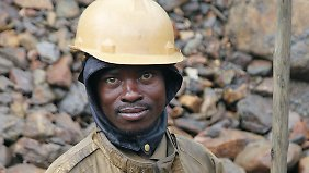 In der Zola-Zola-Mine wird nach wertvollen Mineralien, wie das Zinnerz Kassiterit oder Coltan, gesucht.