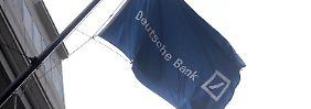 Fahne am Deutsche-Bank-Gebäude in der New Yorker Wall Street.