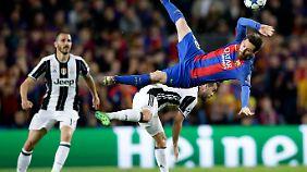 Als Verteidiger hatte Bonucci (l.) ja auch alle Hände voll zu tun mit Lionel Messi.