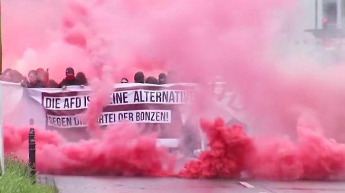 Demonstrationen zum AfD-Parteitag: Kölner Polizei meldet erste Ausschreitungen