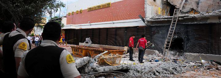 Kriegsähnliche Szenen in Paraguay: Mehr als 50 Verbrecher bomben sich Weg zu Tresor frei