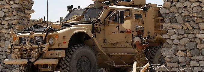 Zweifel an Trumps Strategie: Taliban oder IS - wer ist der größte Feind?