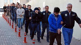 Mutmaßliche Gülen-Anhänger: Türkische Regierung lässt 1000 Polizeimitarbeiter verhaften