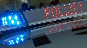 Rund 100 Polizisten fahndeten in mehreren deutschen Städten, in Amsterdam und Albanien.
