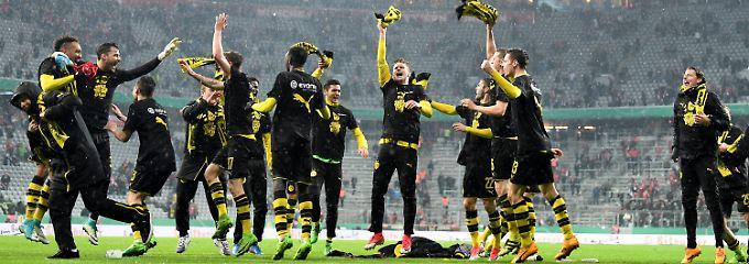 Ließen nach dem Spiel ordentlich die Sau raus: die Dortmunder Spieler