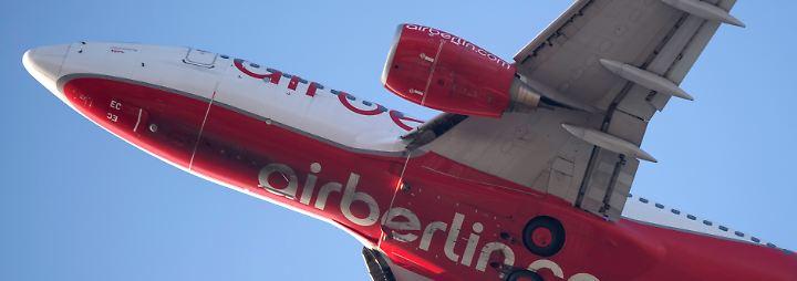 Lufthansa-Chef reist nach Abu Dhabi: Air Berlin schreibt weiter tiefrote Zahlen