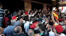 Mehr als 100 Verletzte: Mazedoniens Krise endet in blutiger Prügelei