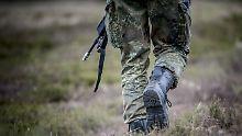 Sicherheitsprüfung ab Juli: Bartels: Militär anfällig für Rechtsextremisten