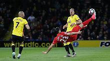 Kann man mal so machen: Liverpools Emre Can mit einem herrlichen Seitfallzieher gegen den FC Watford.