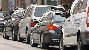 Neue Apps für Autofahrer: Smartphone wird zum Parkplatzsucher