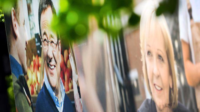 Immer schön freundlich: Wahlplakate mit Laschet und Kraft in NRW.