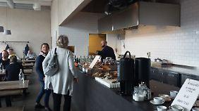 """Nicht nur bei Foodies gefragt: Die """"Saltimporten Canteen"""" bietet ursprüngliches Leben und ehrliches Essen."""