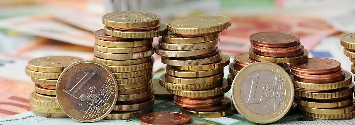Straßen, Internet, Steuersenkungen: Kommt der Haushaltsüberschuss zurück zum Bürger?