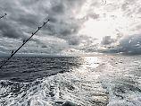 Fischfang vor der spanischen Küste. Die globalen Fischbestände und ihre Zukunft sind eines von 18 Themen im Meeresatlas 2017.