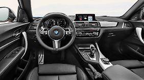 Aufgefrischt wurde auch der Innenraum des BMW 2er Coupé und Cabrios.