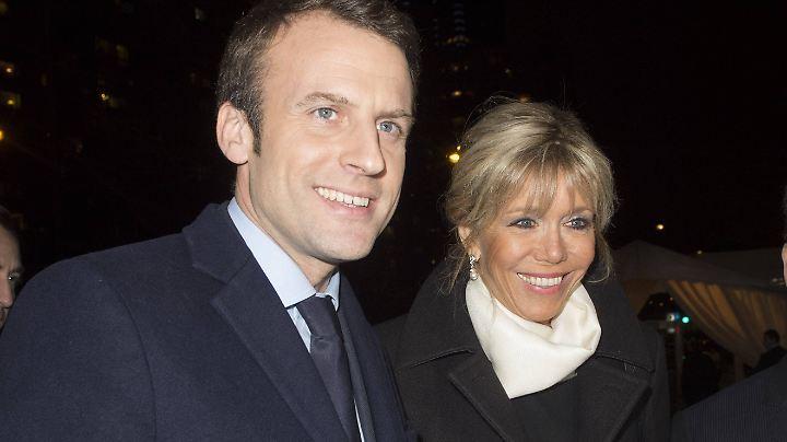 Das französische Präsidentenpaar Brigitte und Emmanuel Macron trennen 24 Jahre.