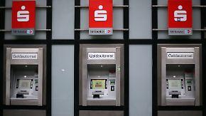 Fusionen und Onlinebanking: Filialsterben deutscher Banken beschleunigt sich