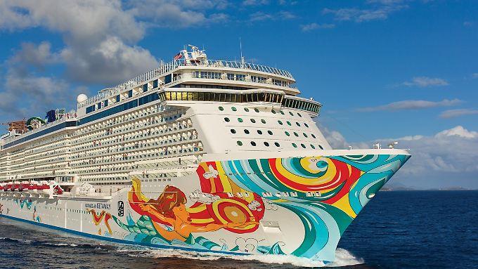 """Früher in der Karibik, steuert die """"Getaway"""" nun die Ostsee und auch Warnemünde an."""