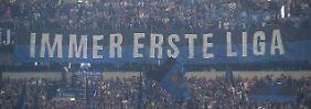 Neulich in Gelsenkirchen: Fans des HSV, optimistisch.