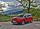 Der Opel Crossland X ist kein echtes SUV taugt aber mit der richtigen Motorisierung auch für lange Bergstrecken.