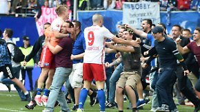 Déjà-vu in der Bundesliga: HSV schafft Last-Minute-Klassenerhalt