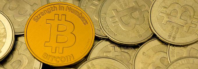 Der Bitcoin ist derzeit immer noch mehr als 4000 Dollar das Stück wert - etwa sieben Mal so viel wie vor einem Jahr.
