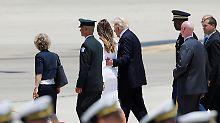 Aufregung auf dem roten Teppich: Melania titscht Trumps Hand weg - oder?