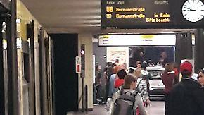 Sechs Verletzte in Berlin: Auto fährt U-Bahn-Treppe hinunter