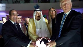 Bilder einer kuriosen Reise: Donald Trumps Egotrip durch Europa und Nahost